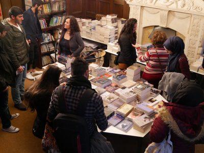Büchertisch Veranstaltung