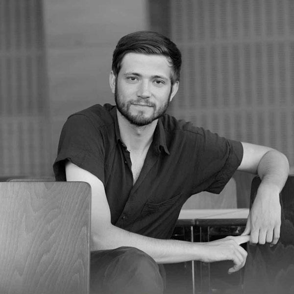 إلكساندرو بولوكس Alexandru Bulucz